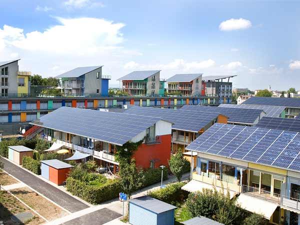 Installazione-moduli-impianto-fotovoltaico-bologna