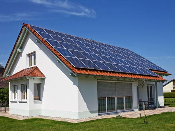 Montaggio-fotovoltaico-inverter-con-accumulo-costi-imola